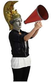 Pallas Athene mit Megaphon